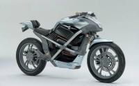 在奔驰转向更先进的汽车之前制造了大约25辆专利摩托车