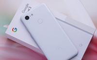 谷歌Pixel4XL采用了和三星S10+相同的Infinity-O打孔屏